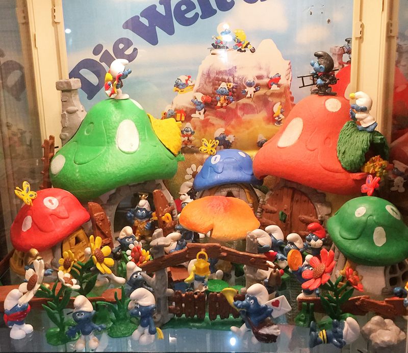 The collectors guide to the smurfs